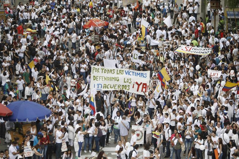 FOTOS: La 'Marcha por la Paz' se tomó Medellín