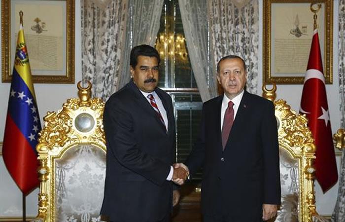 Nicolás Maduro y Erdogan en Turquía. Foto: EFE
