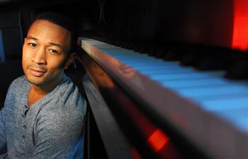John Legend estrena 'Love Me Now'
