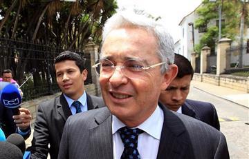 """The New York Times: Uribe, """"El hombre que bloquea la paz en Colombia """""""