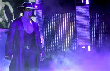 Undertaker: ¿En grave estado de salud y en muletas?