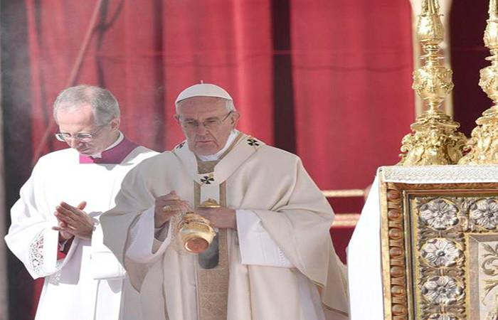 El papa pide rezar