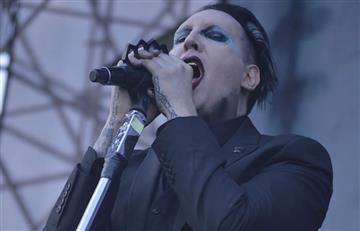 YouTube: Marilyn Manson sufre una fuerte caída en concierto