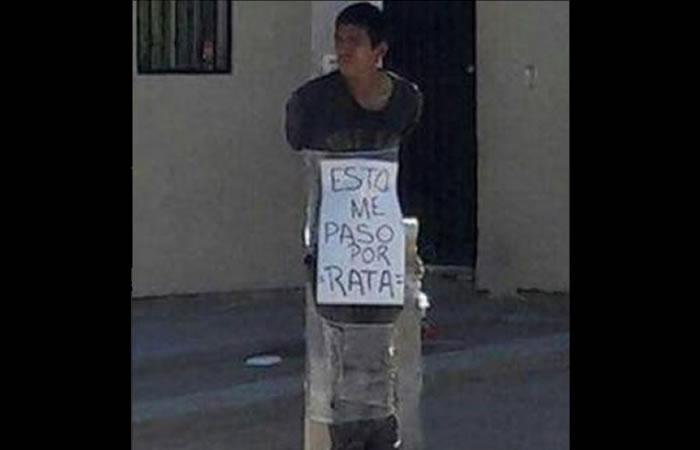 Ciudadanos atan a un joven a un poste. Foto: Facebook