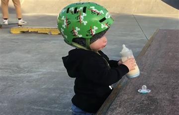 Facebook: El Skater del biberón, el más joven del mundo es viral