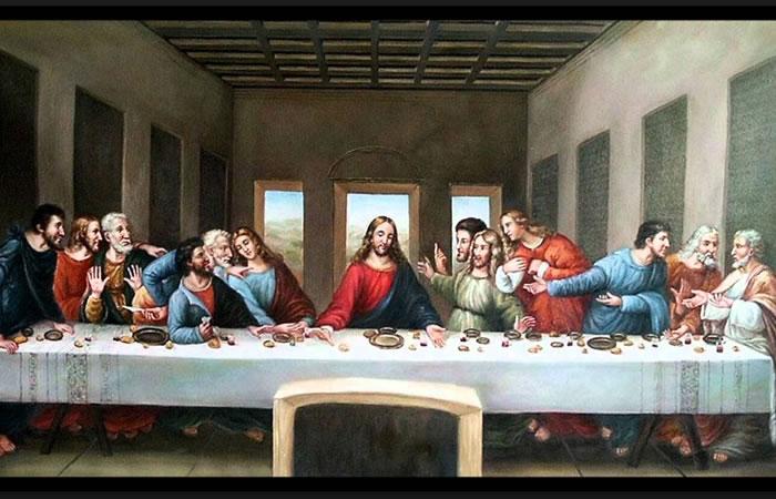 Sexys mujeres recrean la Última Cena de Da Vinci. Foto: Youtube