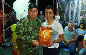 Darwin Atapuma recibe emotivo homenaje por parte del Ejército Nacional