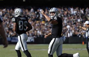 Raiders ganan duelo y liderato a Broncos