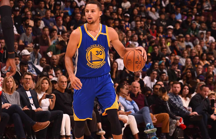 NBA: Stephen Curry rompió récord de triples