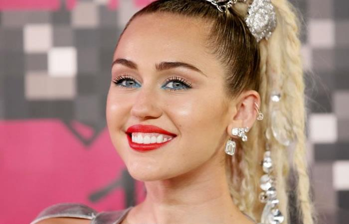 Miley Cyrus llora por la victoria de Donald Trump