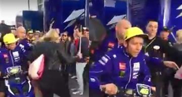 Valentino Rossi nuevamente se sale de casillas