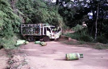 Atribuyen al Epl carro bomba que bloqueó vía en el Catatumbo