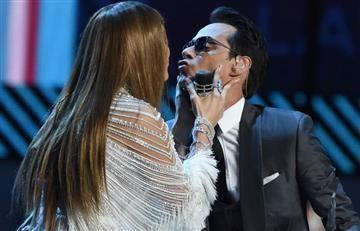 Latin Grammy: Marc Anthony y Jlo el beso que todos esperaban