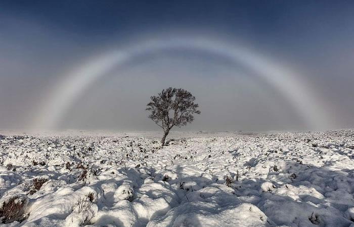 Arcoíris blanco logra ser fotografiado