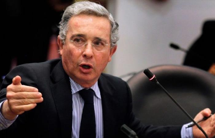 Uribe se enfrentó contra víctima de las Farc en el Congreso