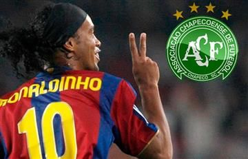 Ronaldhino dispuesto a jugar con Chapecoense