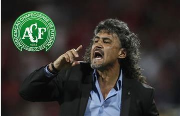Leonel Álvarez se ofrece como técnico del Chapecoense