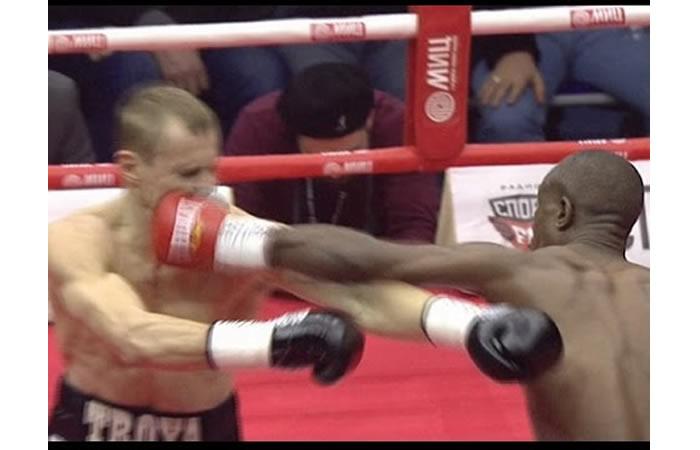 Estaba invicto y con 22 KO, pero lo noquearon en 40 segundos
