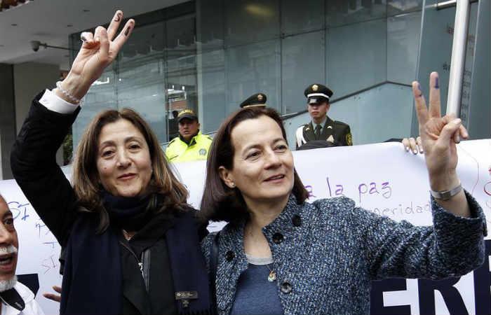 Santos recibirá el Nobel de Paz al lado de Íngrid Betancourt y Clara Rojas