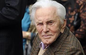 Kirk Douglas padre del actor Michael Douglas cumple 100 años
