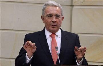 """Centro Democrático: """"Uribe no dijo que Santos compró el Nobel"""""""