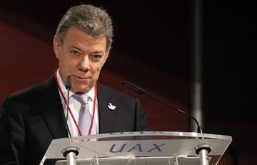 Juan Manuel Santos recibe la Lámpara de la Paz