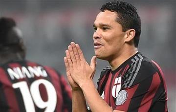 Carlos Bacca no se vende y se queda en el AC Milan