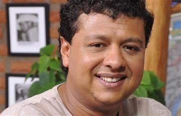 Rafael Santos pide excusas a la fan que golpeó por abrazarlo