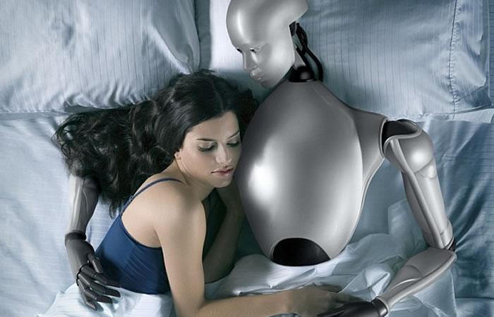 Cada vez está más cerca la idea de tener sexo con robots. Foto: Youtube