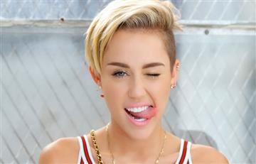 Instagram: Miley Cyrus causa polémica con su sencillo tatuaje