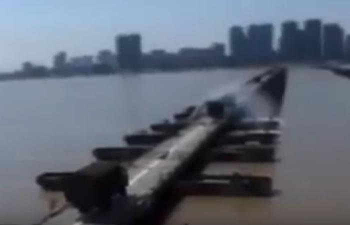 China: Soldados construyen un puente sobre un río en 27 minutos