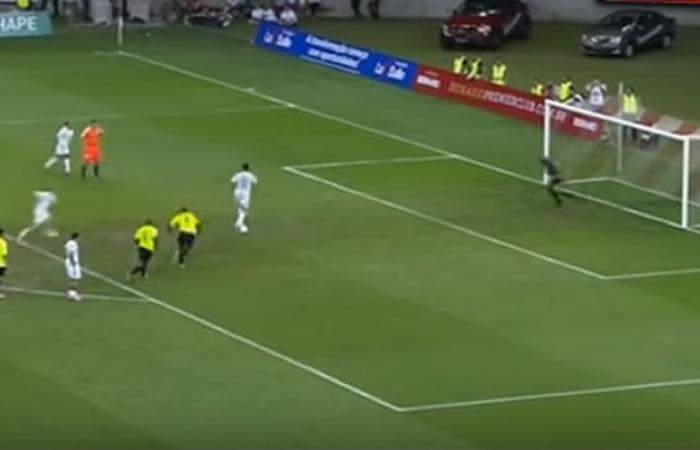 Fútbol: este es el penalti más curioso y chistoso del 2016