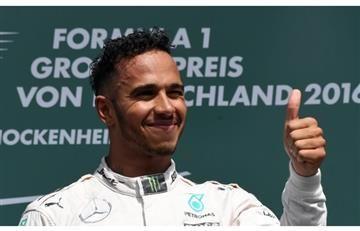 Lewis Hamilton asegura que Mercedes le faltó al respeto