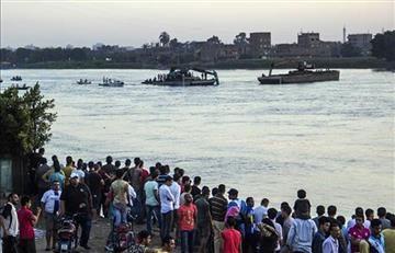 Tragedia: se hundió un bote que transportaba a un equipo de fútbol