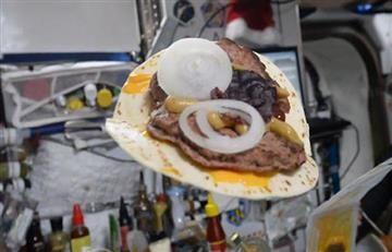 Facebook: así se prepara una hamburguesa en el espacio