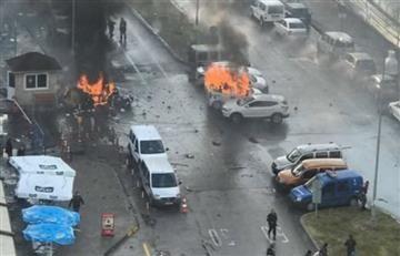 Turquía: En Esmirna un coche bomba y un tiroteo deja varios heridos