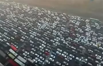 China: Impresionante atasco vehicular es grabado con un dron