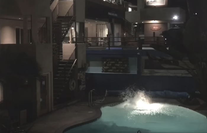 Youtuber se lanza a la piscina desde un edificio y se fractura las piernas