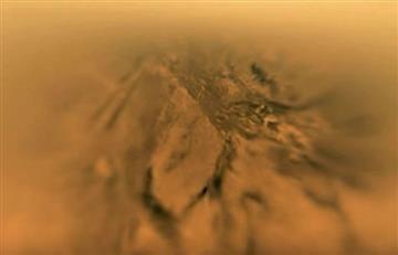 NASA publica aterrizaje en la luna más grande de Saturno