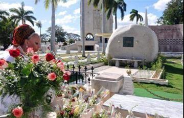 Piedad Córdoba anuncia su candidatura presidencial en la tumba de Fidel Castro