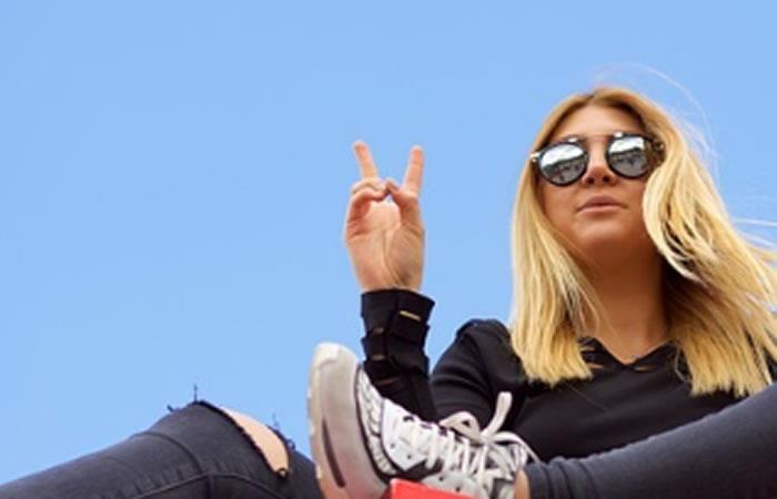 Selfies haciendo símbolo de la paz son bastante peligrosas