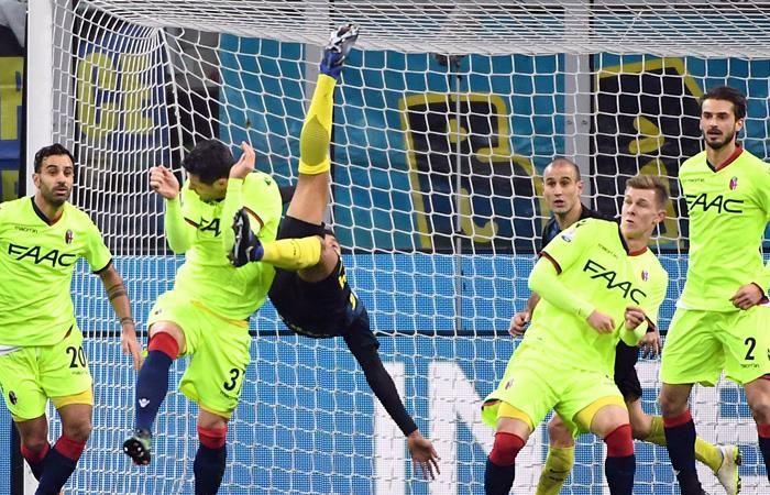 Jeison Murillo anota increíble gol de chilena con el Inter