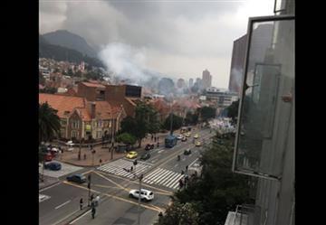Bogotá: Estalló un petardo frente al edificio de la DIAN
