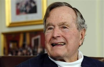 Estados Unidos: George H. W. Bush ingresó a cuidados intensivos