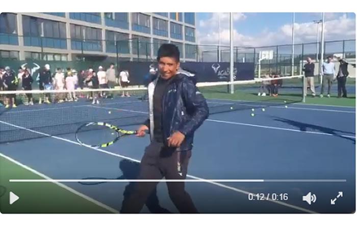 Nairo Quintana se pasa al tenis y así juega el colombiano