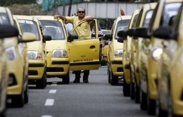 Estudian aumento de $500 en tarifas de taxi en Bogotá