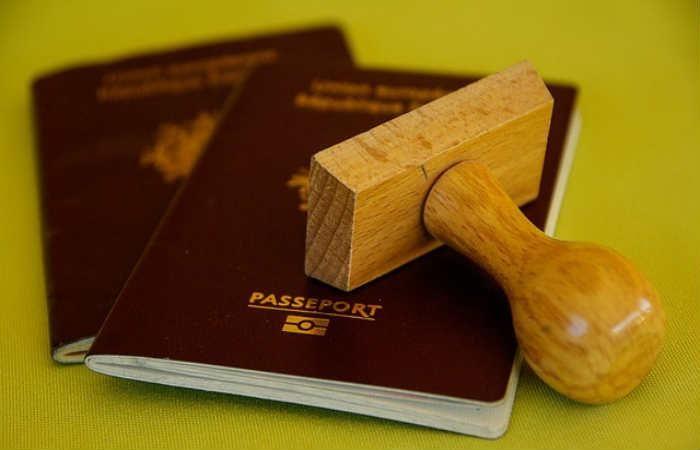 Colombianos protestarán por el alto costo del pasaporte
