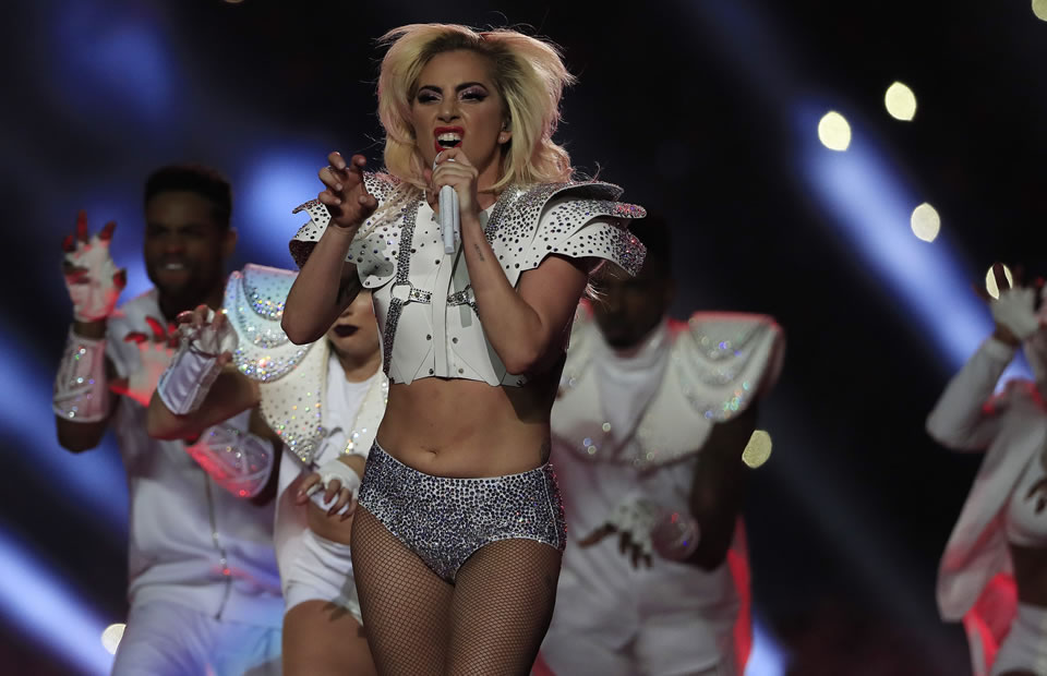 Super Bowl 2017: Así fue la presentación de Lady Gaga