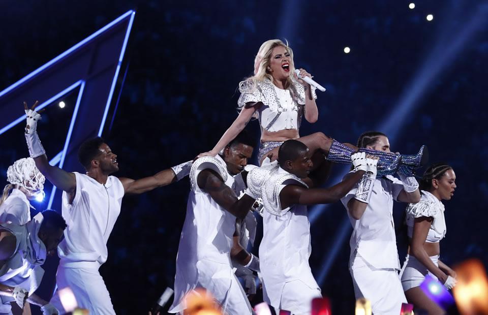 Lady Gaga en el Super Bowl 2017. Foto: EFE