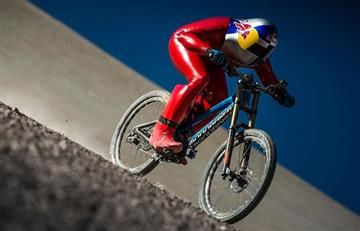 Record Mundial: 167 km por hora en bicicleta en tremendo descenso